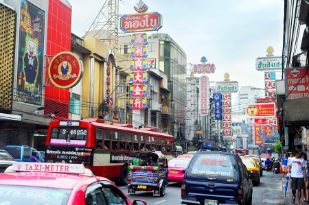 chinatown: Bangkok, Thailand - March 26, 2011:  Bangkok�s Chinatown is a popular tourist attraction and a food haven for new generation gourmands during rush hour. Editorial
