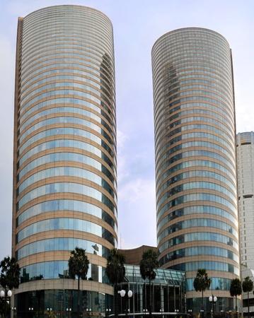 El Centro de Comercio Mundial (WTC también conocido como Colombo o WTCC) es el edificio más alto terminado en Sri Lanka