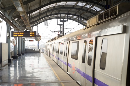 Delhi, India -  March 03, 2012: Delhi Metro station  in Delhi. Delhi Metro network consists of six lines with a total length of 189.63 kilometres (117.83 mi) with 142 stations Stock Photo - 12993755