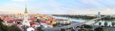 Panorama di Bratislava al tramonto. Slovacchia