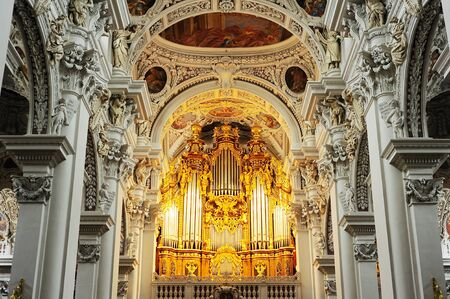 organ: Organ at St. Stephans Cathedral, Passau.  It is the largest cathedral organ in the world. The organ currently has 17,774 pipes and 233 registers