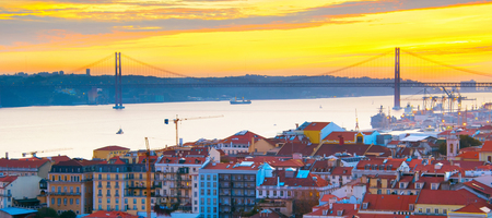 Panoramic view of Lisbon Old Town at sunset, Portugal Banco de Imagens