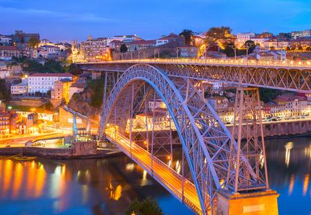 Famous Dom Luis I Bridge, Douro river, Porto, Portugal Standard-Bild