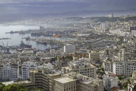 Aerial view to the downtown and port of Algiers, Algeria 新闻类图片