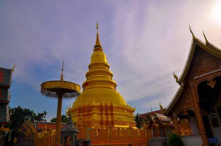 lanna: Thai Lanna Hariphunchai temple