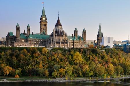 일몰 캐나다의 의회