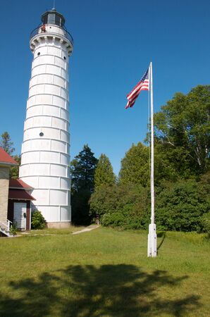 wisconsin flag: wisconsin lighthouse