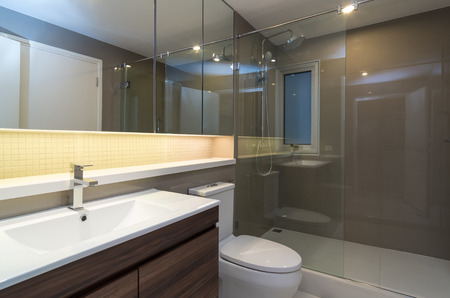 Luxe salle de bains Intérieur Banque d'images - 41239888