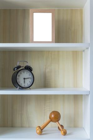 arredamento classico: Retro sveglia, con cornice e decorare nell'armadio spettacolo