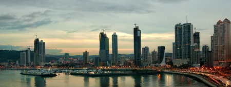 panama city beach: vista della citt� di Panama costa lina