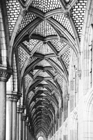 rchitectural details - archway in black and white photo