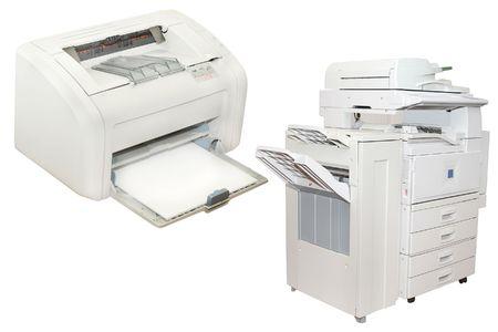 fotocopiadora: impresora de inyecci�n de tinta y Oficina de copiar la m�quina bajo el fondo blanco