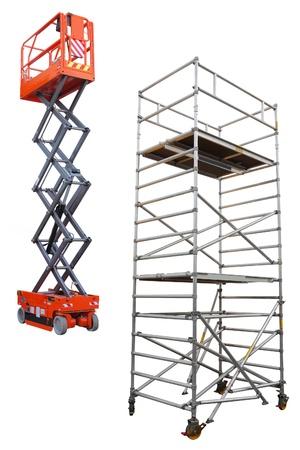 hijsen: Het beeld van de steiger en lift onder de witte achtergrond Stockfoto