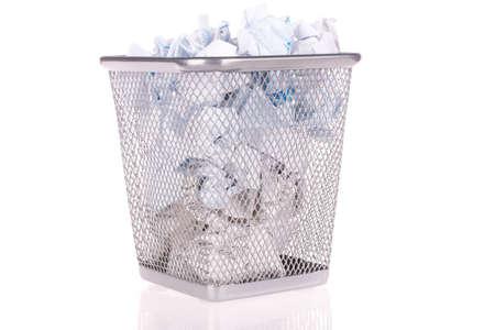 wastepaper basket: carta straccia cestino pieno di carta wad