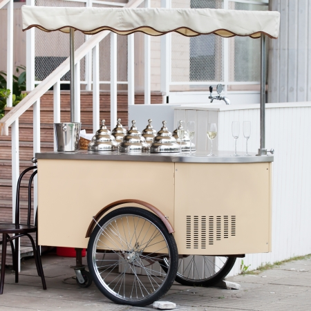 dessert stand: Mobile stoll with ice-cream