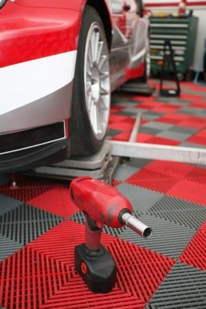 motosport: Mobile repair shop of motosport team
