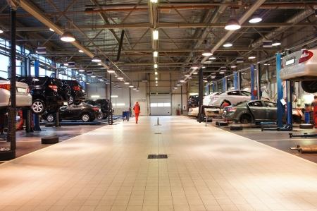 auto shop: Image of a repair garage Editorial