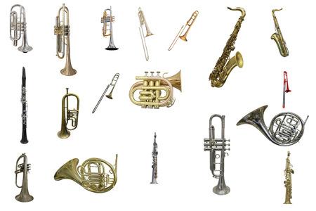 La imagen de los instrumentos de viento aisladas bajo un fondo blanco Foto de archivo