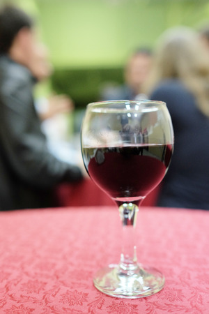 spirituous beverages: image of a wine glass
