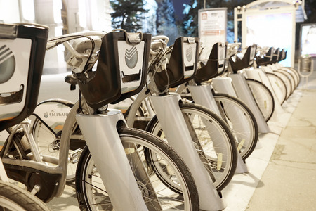 maneuverable: RUSSIA, MOSCOW - November 1. 2014: Rent of bicycles in the center of city