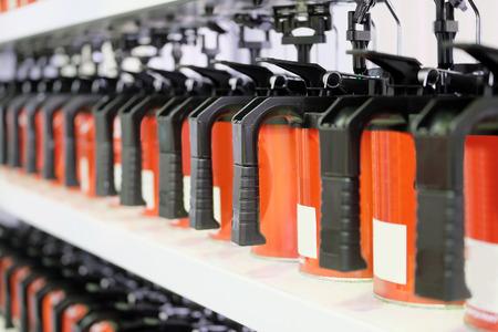 laboratory balance: L'immagine di stand per autopaints stoccaggio Archivio Fotografico