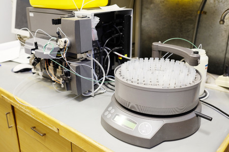 test tube holder: Rack of test tubes on automatic fraction collector