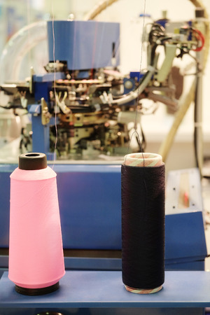 the textile industry: Rolls of thread for the textile industry
