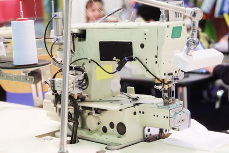 industria tessile: Industria tessile - macchina che tesse