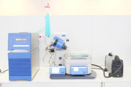 Laboratory rotary evaporator for research and development