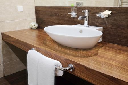 piastrelle bagno: Interno di un bagno dell'hotel Archivio Fotografico