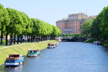 piter: Veiw of the Ingenerniy (Mihaylovskiy) palace in Sankt-Peterburg, Russia