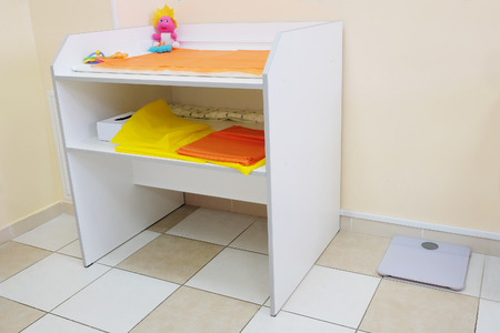 pediatrist: Changing table in the office of a pediatrician