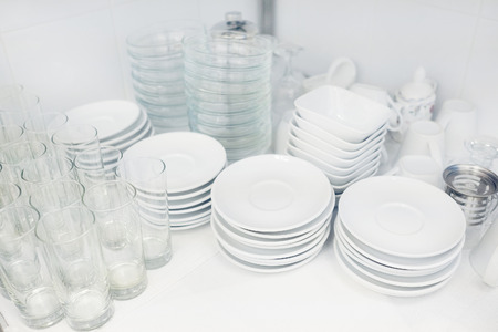 closed club: washed dishes in the restaurant