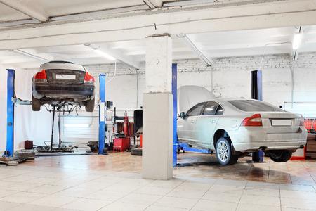 Immagine di un garage di riparazione auto Editoriali