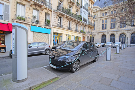 Paris, France, February 9, 2016: electric car charges in Paris, France 報道画像