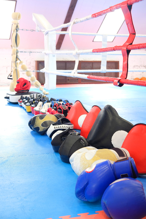 muffle: Boxing gloves and other boxing equipment close up Stock Photo