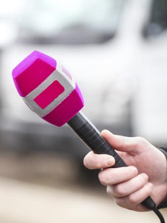 reporter interviews somebody Stock Photo
