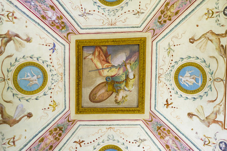 Florence, Italie - 5 juin 2017: fresque sur un plafond du palais Pitti à Florence, Italie