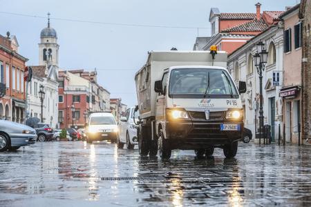Sottomarina, Italy - July, 11, 2018: street of Sottomarina, Italy Editoriali
