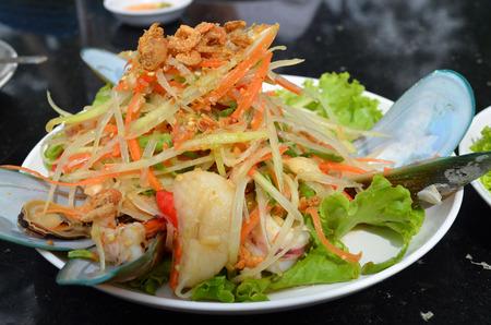 mariscos: Delicioso y picante ensalada de papaya marisco