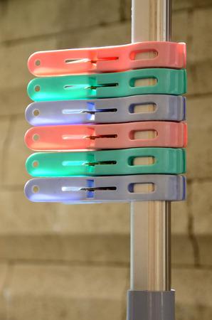 clothespeg: 6 pieces of colorful plastic teg
