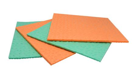 celulosa: esponja de celulosa para fines de limpieza - aislados en fondo blanco