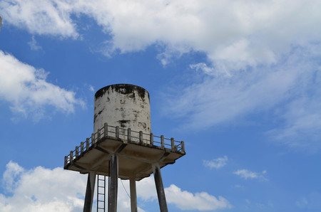 Cylinder concrete water tower tank
