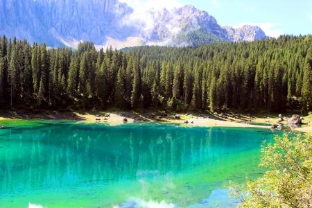 Carezza lake Reklamní fotografie - 22930172
