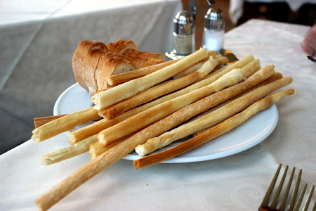 breadsticks: pancitos