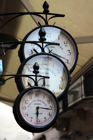 three clocks Stockfoto