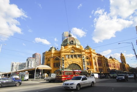 federation: MELBOURNE, AUSTRALIA - OCTOBER 29  Iconic Flinders Street Station was completed in 1910 and is used by over 100,000 people each day - 29 October 2010, Melbourne Australia,