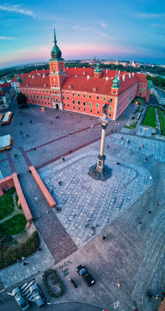 Beautiful panoramic aerial drone view on Warsaw Old town (Stare Miasto) - the oldest district of Warsaw (13th century), Royal Castle, square and the Column of Sigismund III Vasa at sunset, Poland Publikacyjne