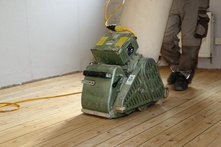 Grinding a plank floor