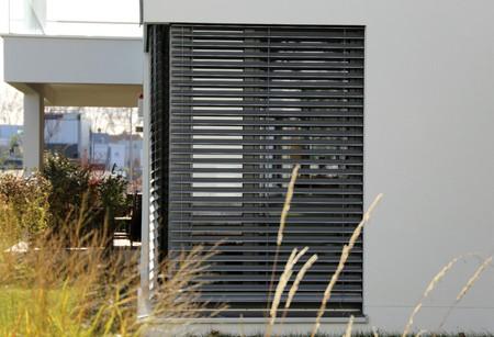Window with shutter (exterior shot) Foto de archivo